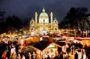 Feuermatrix am Weihnachtsmarkt am Karlsplatz Wien
